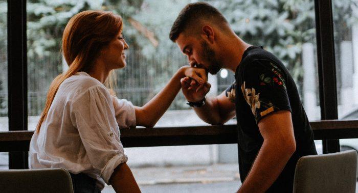 Erstes Date Kuss: den Schritt wagen, oder doch lieber warten?